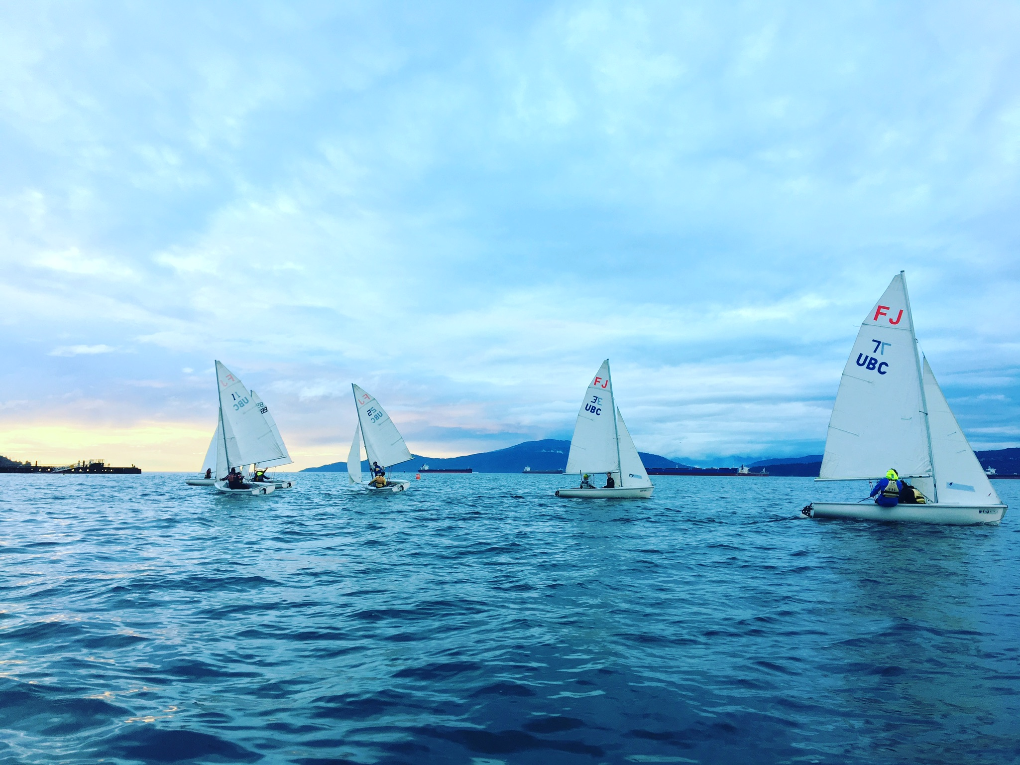 TSC_2016-2017_Sailing_Website_picture boats